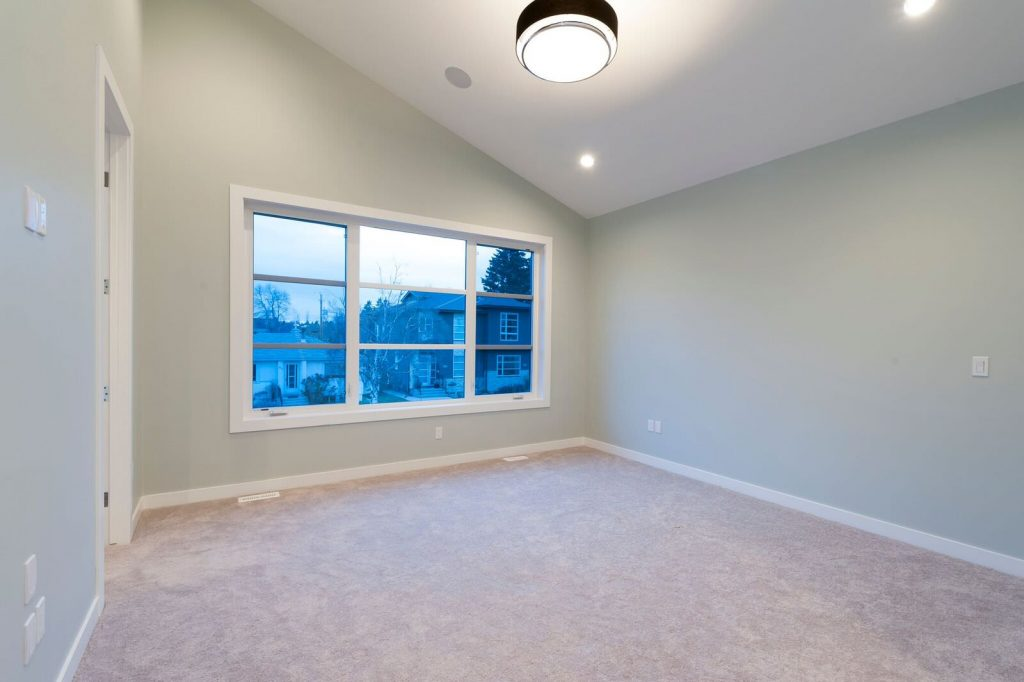 Potentially Cozy Bedroom For Sale Before Virtual Staging