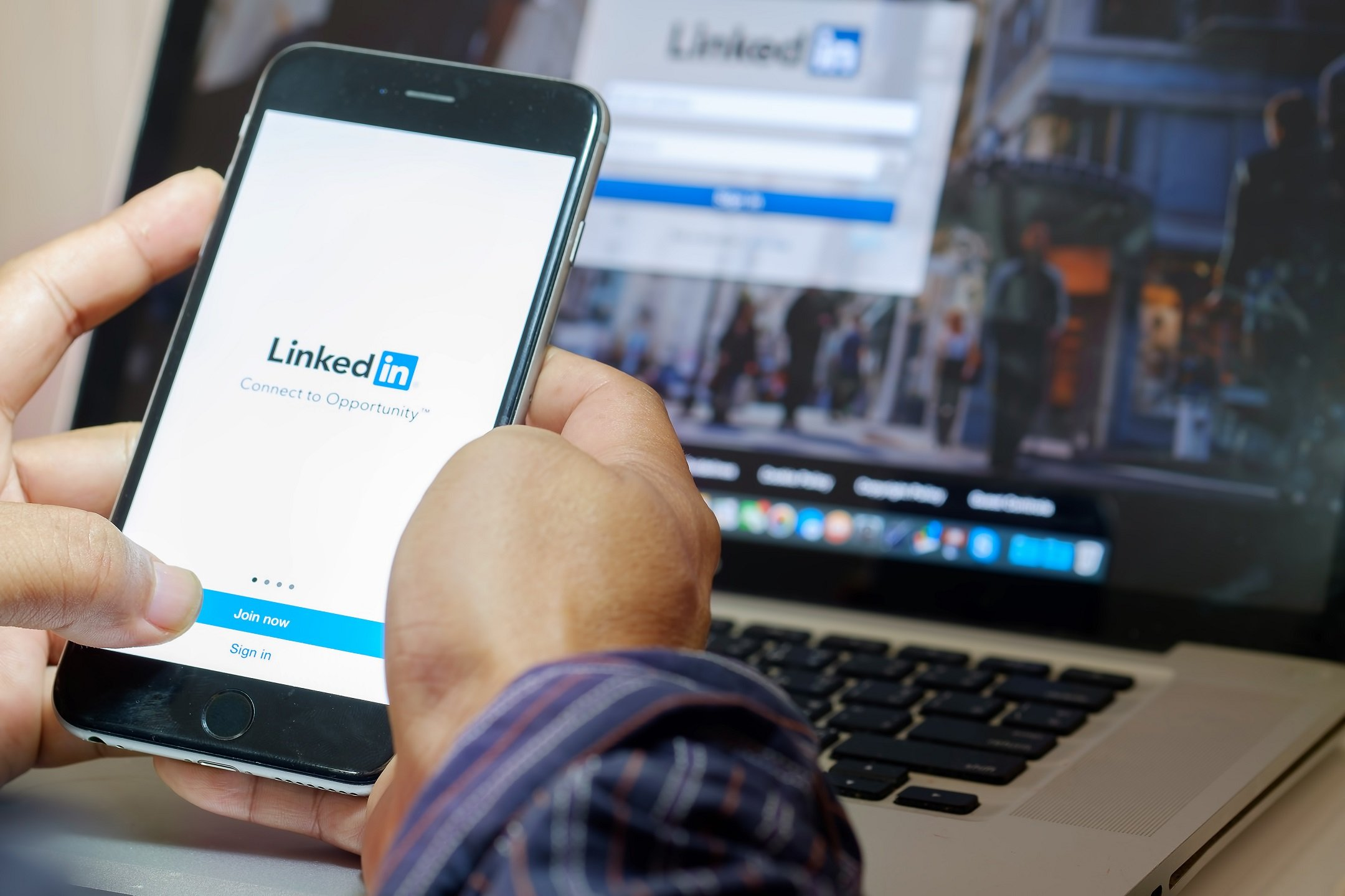 An Architect Using LinkedIn for Business Purposes