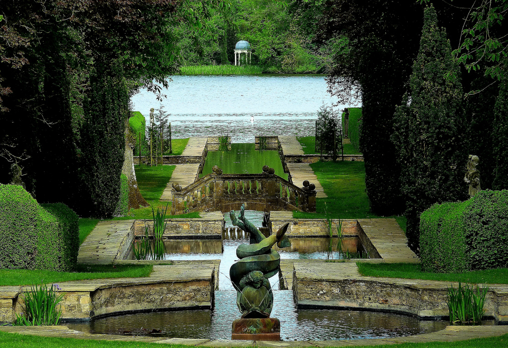 3D Architecture Renders: a Reference Image with the Garden